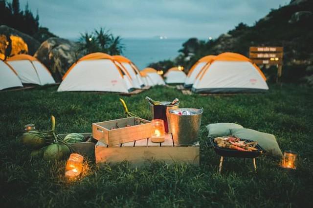 Trải nghiệm cắm trại qua đêm như trời Tây giữa không gian xanh KĐT Ecopark