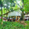 Khách xếp hàng cả cây số để xem nhà mẫu và mua nhà tại Ecopark