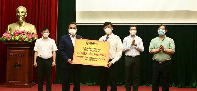 Hưởng ứng lời kêu gọi của Chính phủ, Vingroup, T&T, Hoà Phát, Sovico, Ecopark, Doji cùng một loạt ngân hàng lớn ủng hộ 280 tỷ đồng và 4 triệu liều vaccine
