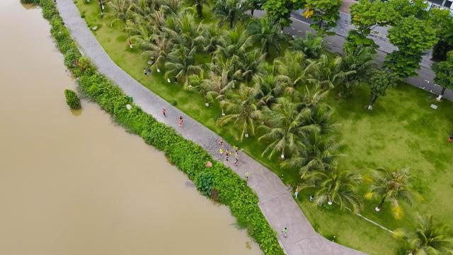 """Ecopark Marathon ấn tượng với """"cung đường chạy đẹp nhất Việt Nam"""" - Ảnh 11."""