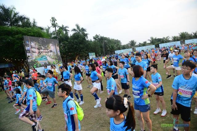 Những chân chạy nhí ở Ecopark Marathon 2021 - 1