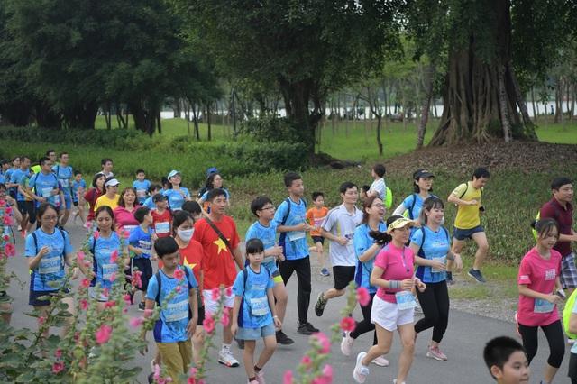Những chân chạy nhí ở Ecopark Marathon 2021 - 3